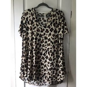 Discount Divas XXXL V-Neck Leopard Cheetah Top